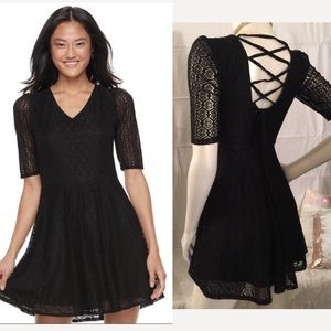 Boutique! Gorgeous Lace up back Baby Doll Dress